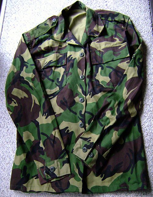 Pic #1 Desert Storm British( ?)  Camo Jacket & Pants new $100.00